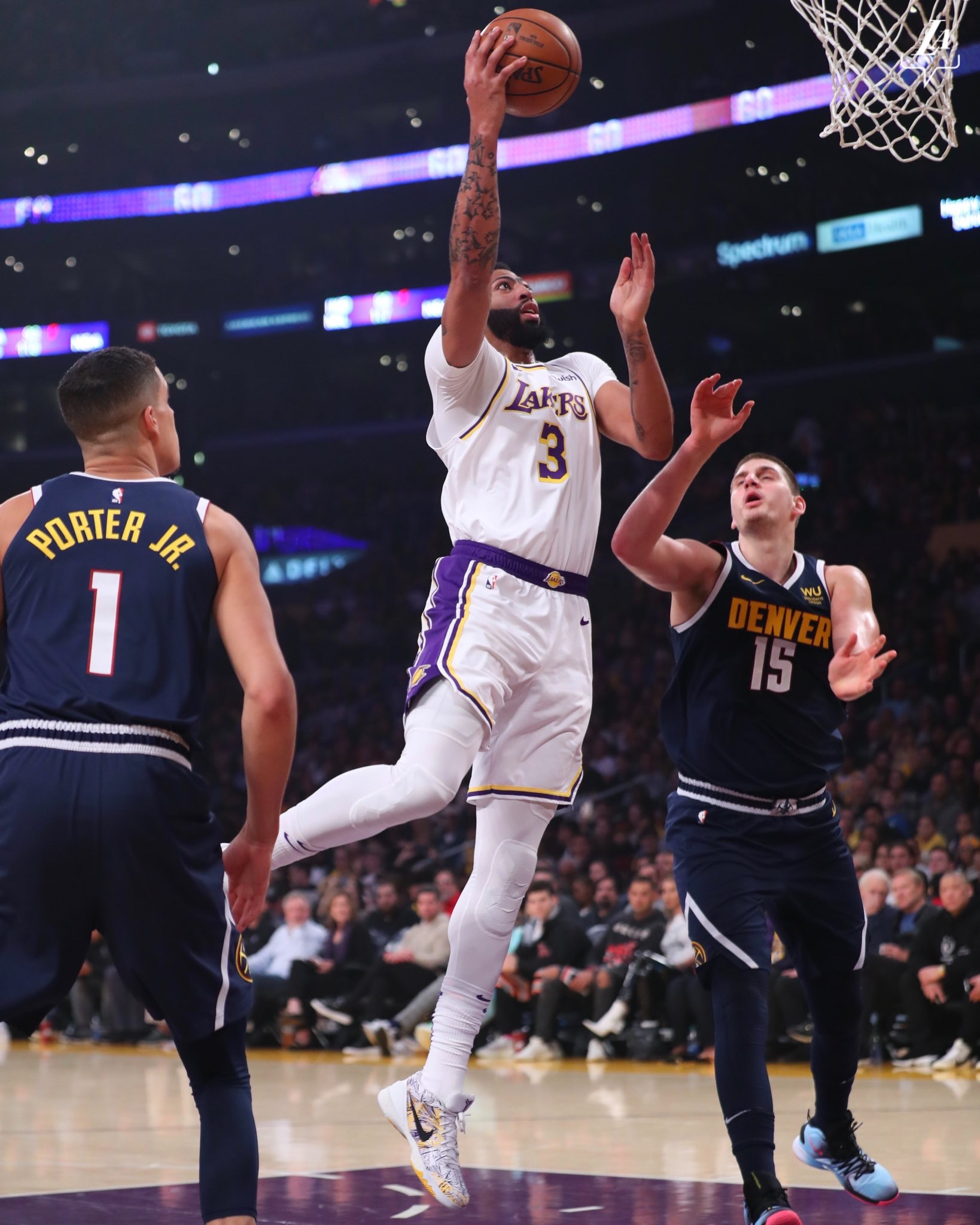 Nuggets topple Lakers at Staples Center