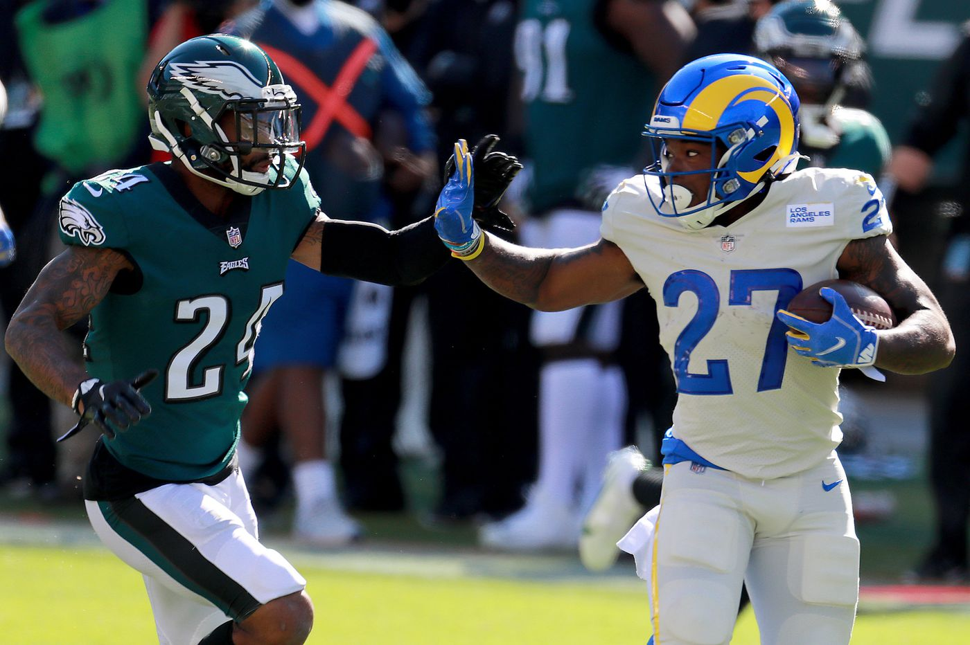 Eagles lose to Rams